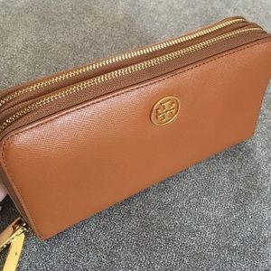 Tory Burch Robinson Continental Double Zip Wallet